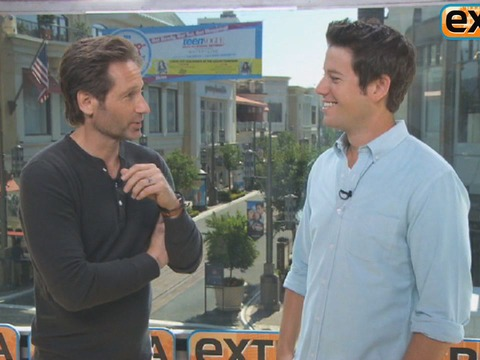 'Extra' Raw! David Duchovny Hangs Out at The Grove