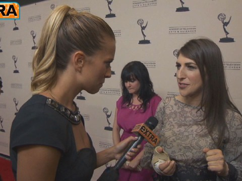 Mayim Bialik on Hand Injury: 'It's Brutal'