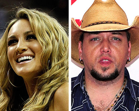Brittany Kerr Apologizes for Kissing Jason Aldean