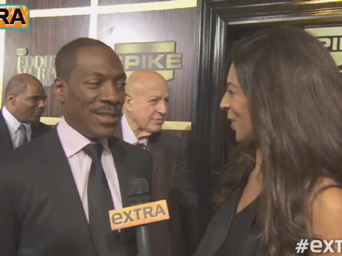 Eddie Murphy Jokes He's 'Retired,' Shows Off New Girlfriend