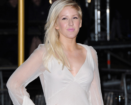 Pic! Ellie Goulding's Fashion Disaster at 'Les Miserables' Premiere