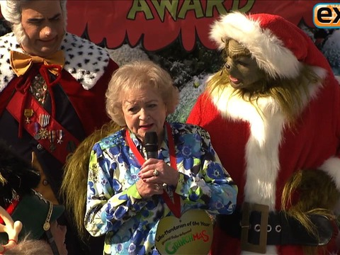 Betty White Celebrates 'Grinchmas' at Universal Studios