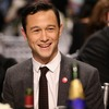 Joseph Gordon-Levitt Fixes Anne Hathaway's Wardrobe Malfunction