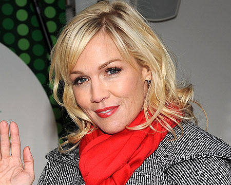 Extra Scoop: Jennie Garth Finds Love