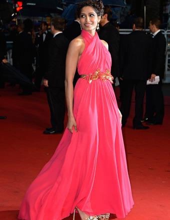 Pics Freida Pinto S Hottest Red Carpet Looks Extratv Com