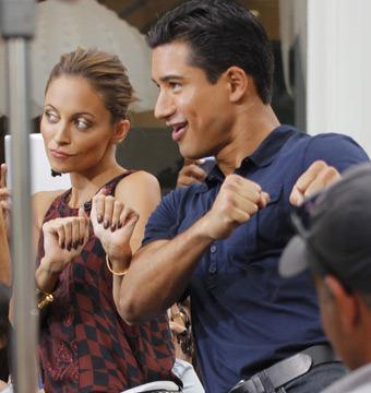 Video! Nicole Richie Shows Mario Lopez Her Signature Dance Move