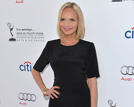 Kristin Chenoweth Sings Anthony Weiner 'Wicked' Parody