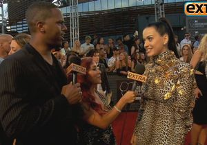 'Extra' Raw: On the Red Carpet at the 2013 MTV VMAs