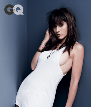 Lizzy Caplan's Smokin' Hot GQ Spread