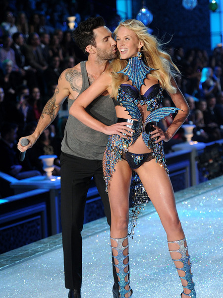 Adam Levine Hookup Victoria Secret Model