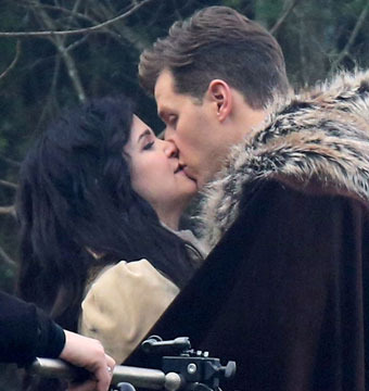 """Parents-to-be Ginnifer Goodwin and Josh Dallas filmed a scene for """"Once Upon a…"""
