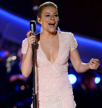 LeAnn Rimes Addresses Wild Rumors About Faking a Pregnancy, and More