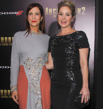 "Kristen Wiig and Christina Applegate hit the red carpet at the ""Anchorman 2""…"