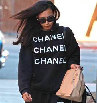 Naya Rivera rocked a Chanel hoodie and sweatpants as she picked up Chipotle in…