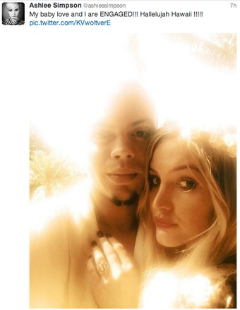 ashlee simpson engaged