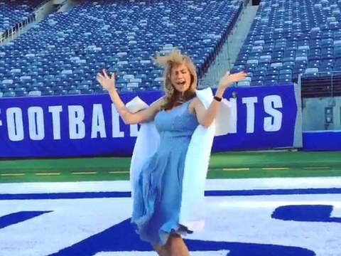 Video! Kate Upton Shows Us Her Super Bowl End Zone Dance