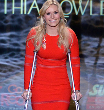 Lindsey Vonn walked the runway on crutches at The Heart Truth Red Dress event…