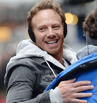 "Ian Ziering was spotted on location for ""Sharknado 2: The Second One"" in NYC."
