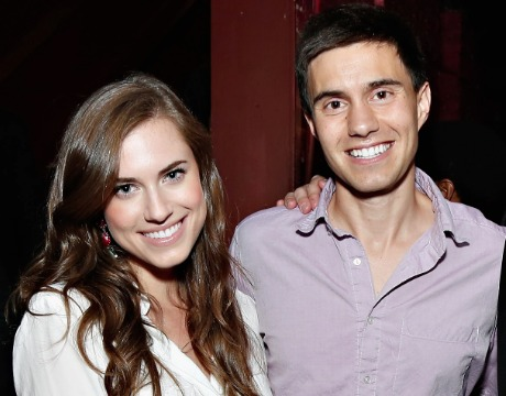 'Girls' Star Allison Williams Engaged!