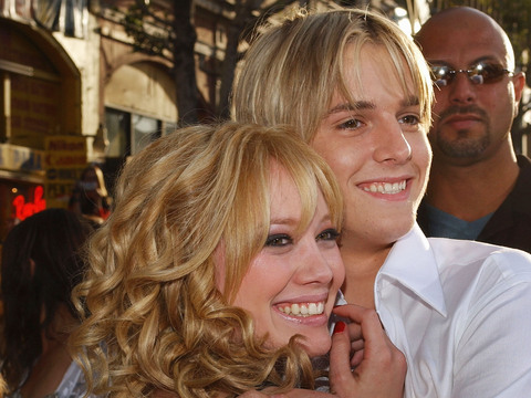 Extra Scoop: Aaron Carter Still Pines for Hilary Duff