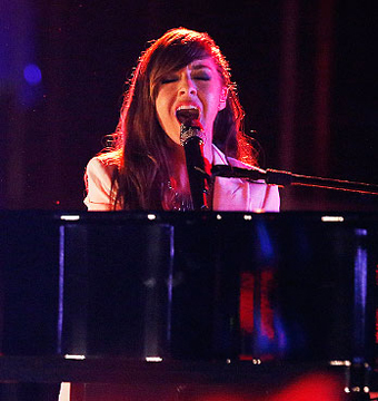 'The Voice': Christina Grimmie Steals the Show with Drake Cover!