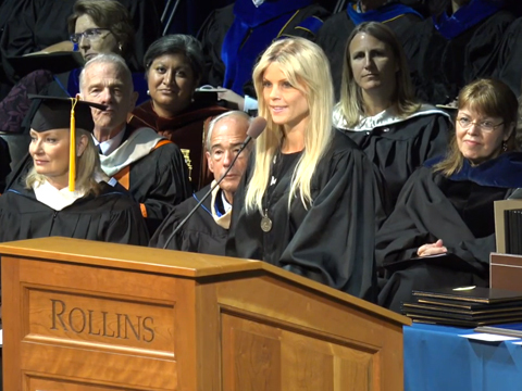 Video! Elin Nordegren Takes Jab at Tiger Woods in College Commencement Speech