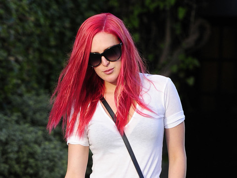 Rumer Willis debuted her new pink 'do in West Hollywood.