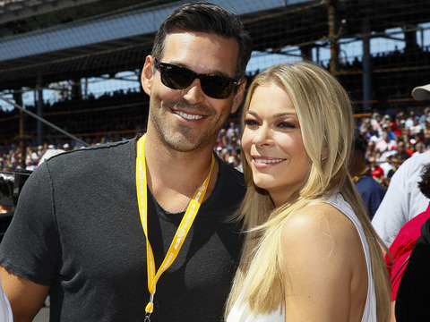 Sneak Peek! LeAnn Rimes and Eddie Cibrian Take on Tabloids, Bloggers and Exes…