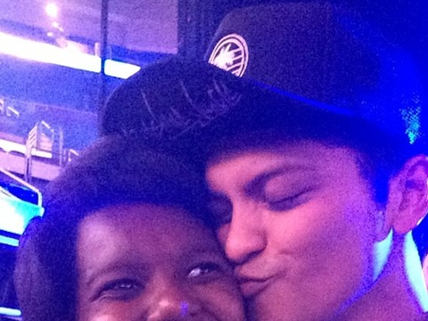 Bruno Mars Serenades Girl Who Lost Family in a Car Accident