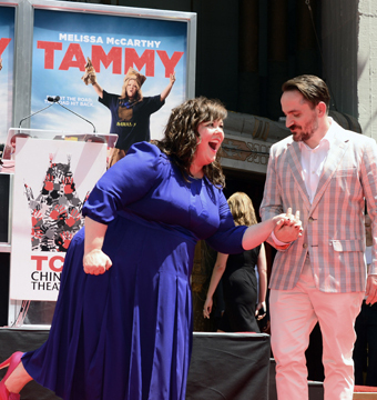 Melissa McCarthy struck a pose with hubby Ben Falcone at her hand and foot…