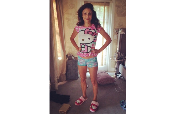 Pic! Bethenny Frankel Poses in 4-Year-Old Daughter's Pajamas