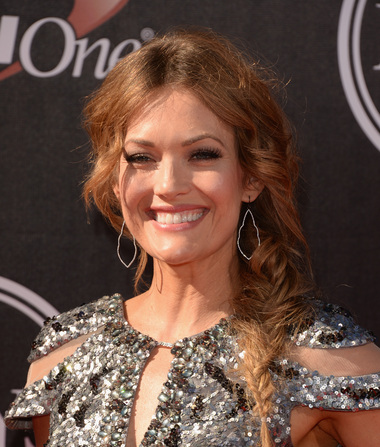 Amy Purdy Joins Oprah on a 'Weekend' Tour
