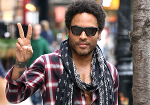 Rocker Lenny Kravitz was spotted on a stroll in NYC.