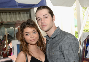 Extra Scoop: Sarah Hyland Gets Three-Year Restraining Order Against Ex-Boyfriend