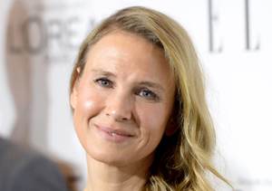 Renée Zellweger Sighting! Spotted Out Without Makeup