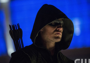 Stephen Amell Is Such a Tease! Get His Take on 'Arrow,' Felicity and More