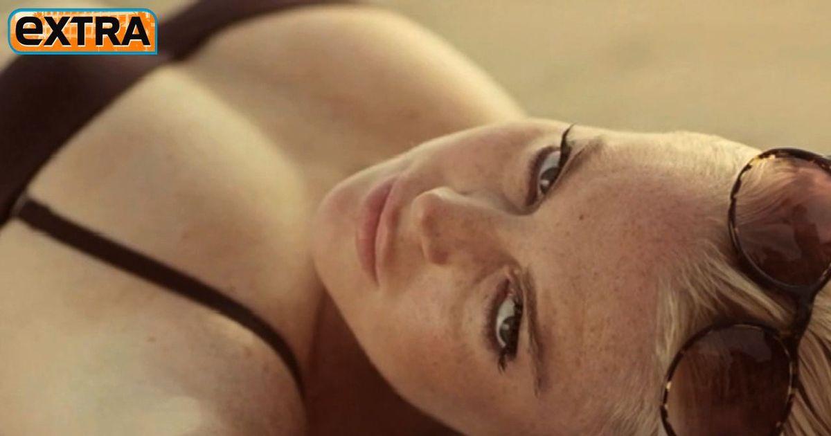Lindsay Lohan Doppel einen Hahn vor Gericht saugen