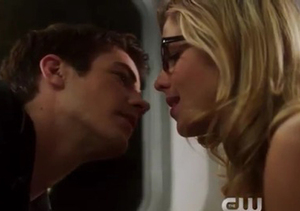 'The Flash': New Details About Barry and Felicity's Crossover Date!