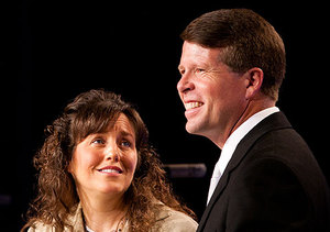 Extra Scoop: The Duggars Respond to Same-Sex Kiss Controversy