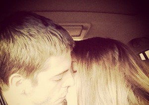 It's a Duggar Kiss-a-thon! Jill Duggar and Derick Dillard Get in on the Act