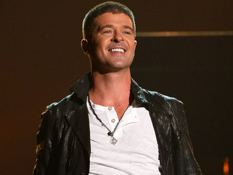 Did a 19-Year-Old Model Post a Selfie from Robin Thicke's Bed?