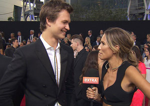 AMAs 2014: Ansel Elgort Lost His Virginity While Listening to a Ne-Yo Album