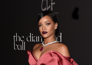 Rihanna Did WHAT with Her Hair? Find Out the Newest Craze!