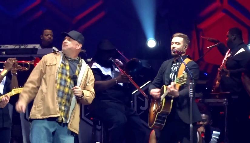 Justin Timberlake & Garth Brooks Raise the Roof in Surprise Duet