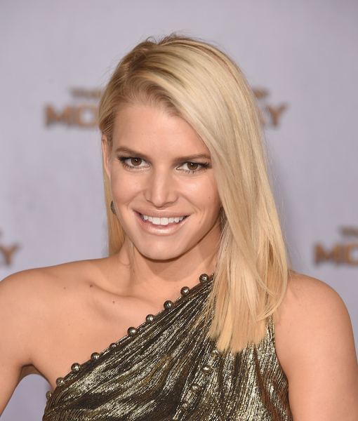 No Time to Wash Your Hair? Try This Tip from Jessica Simpson, and More!