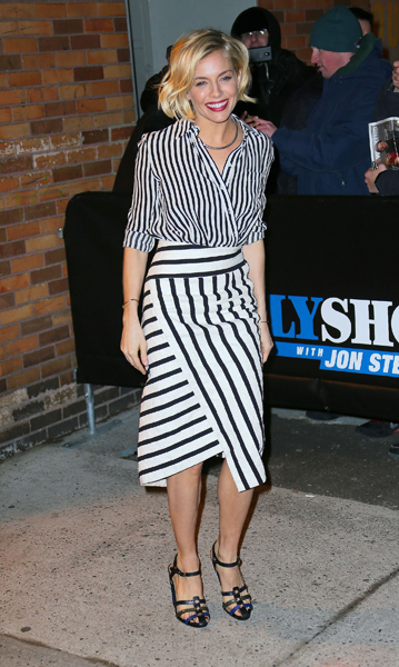 be4e765c2c3 Fashionista Sienna Miller Shows Her Stripes