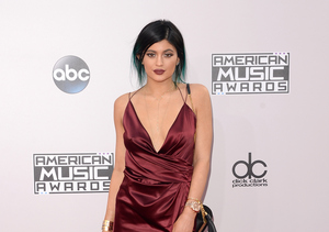 Kylie Jenner Posts Another Fresh-Faced Selfie