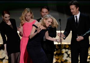 Oops! Naomi Watts Trips Onstage at the SAG Awards