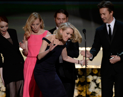 Oops! Naomi Watts Trips Onstage at the SAG Awards