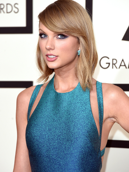 Taylor Swift's Ombre Turquoise Dress is a Red Carpet Winner